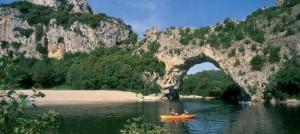c_fougeirol_-_pont_darc-_canoe_orange_2000