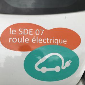 Mobilité électrique : pas de vacances pour les bornes de recharge