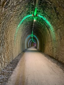 Eclairement des tunnels de la Via Ardèche, la voie verte du sud Ardèche